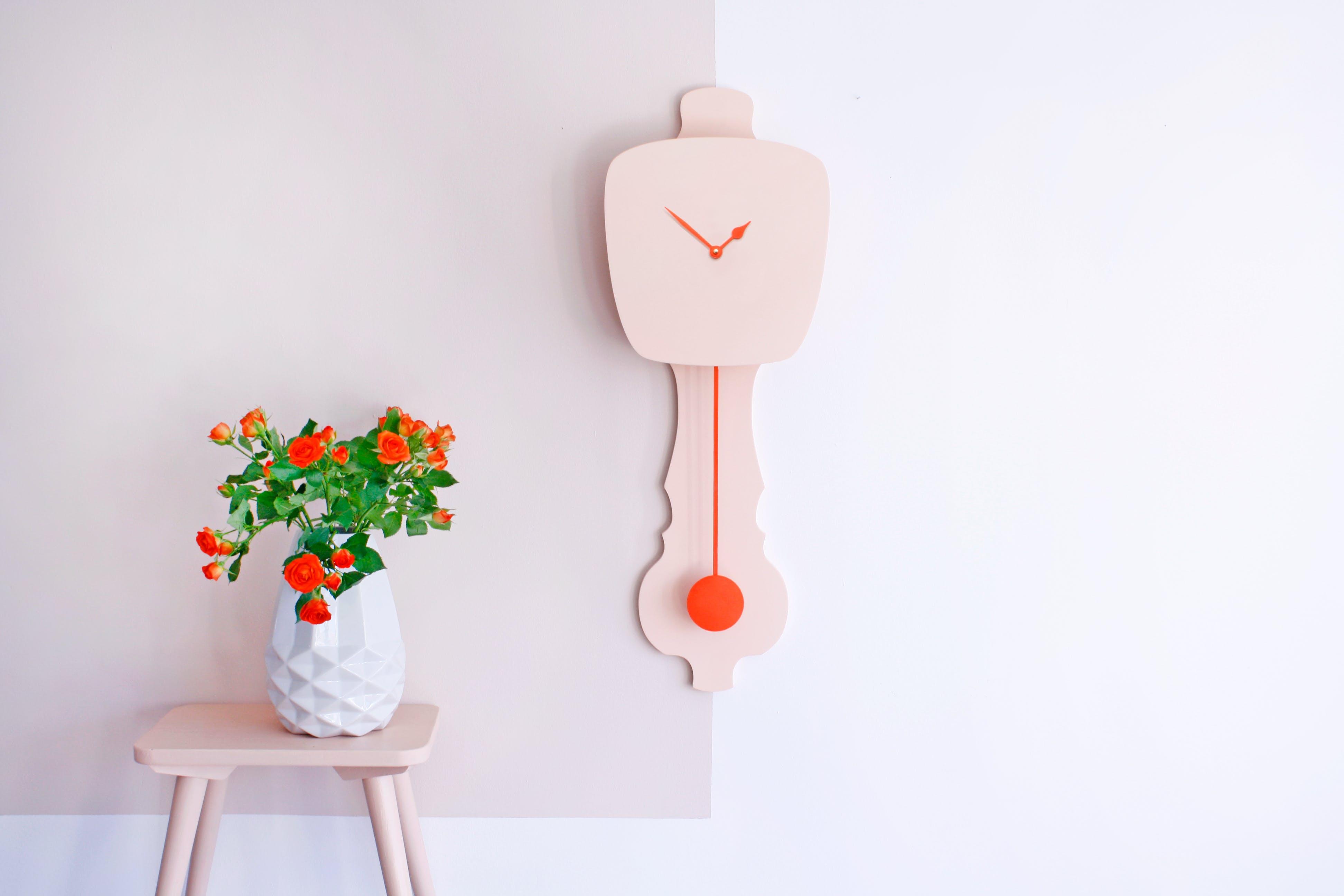 Horloge rose pêche * Kloq