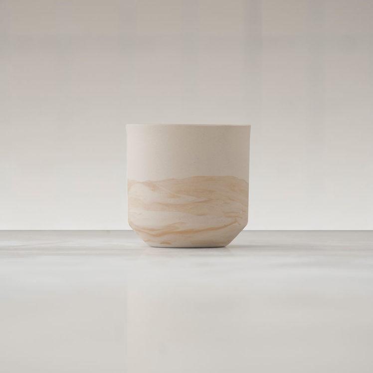 Tasse marbrée en céramique