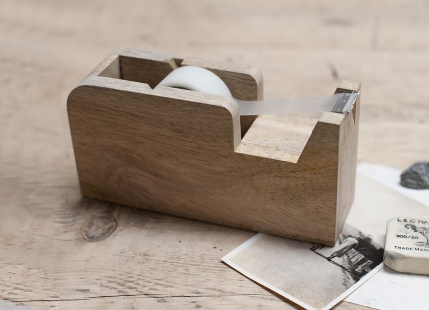 Dérouleur pour papier collant / tape en bois