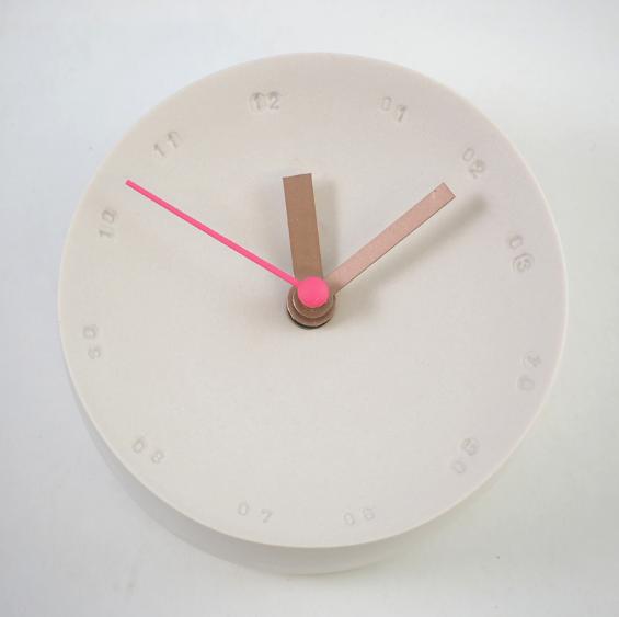 Horloge murale en porcelaine 10cm nude/rose * Studio Harm en Elke