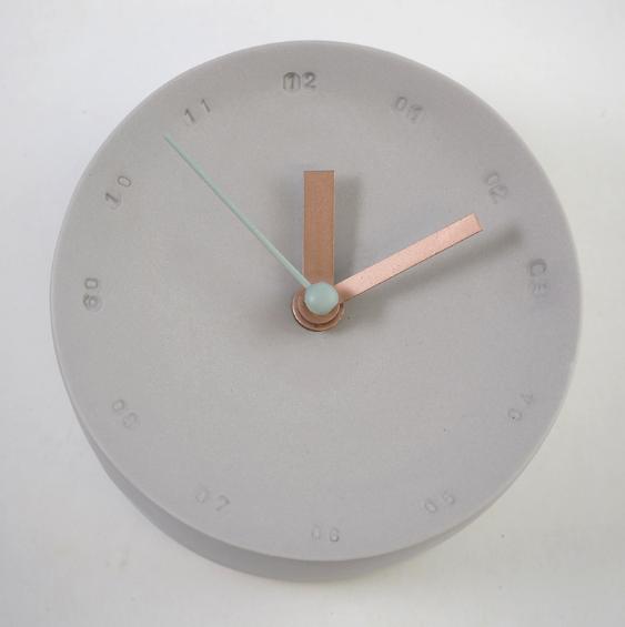 Horloge murale 10cm gris/mint * Studio Harm en Elke