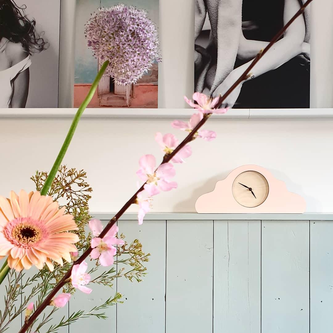 Horloge à poser rose pêche * Kloq