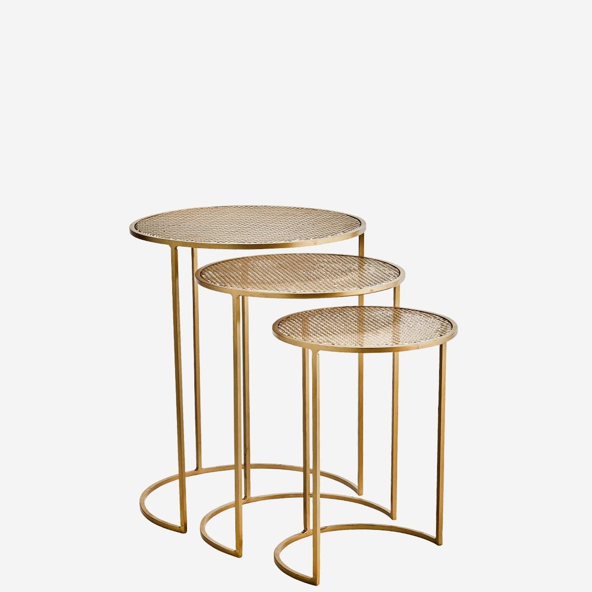 Set de 3 tables rondes gigognes en fer doré * Madam Stoltz