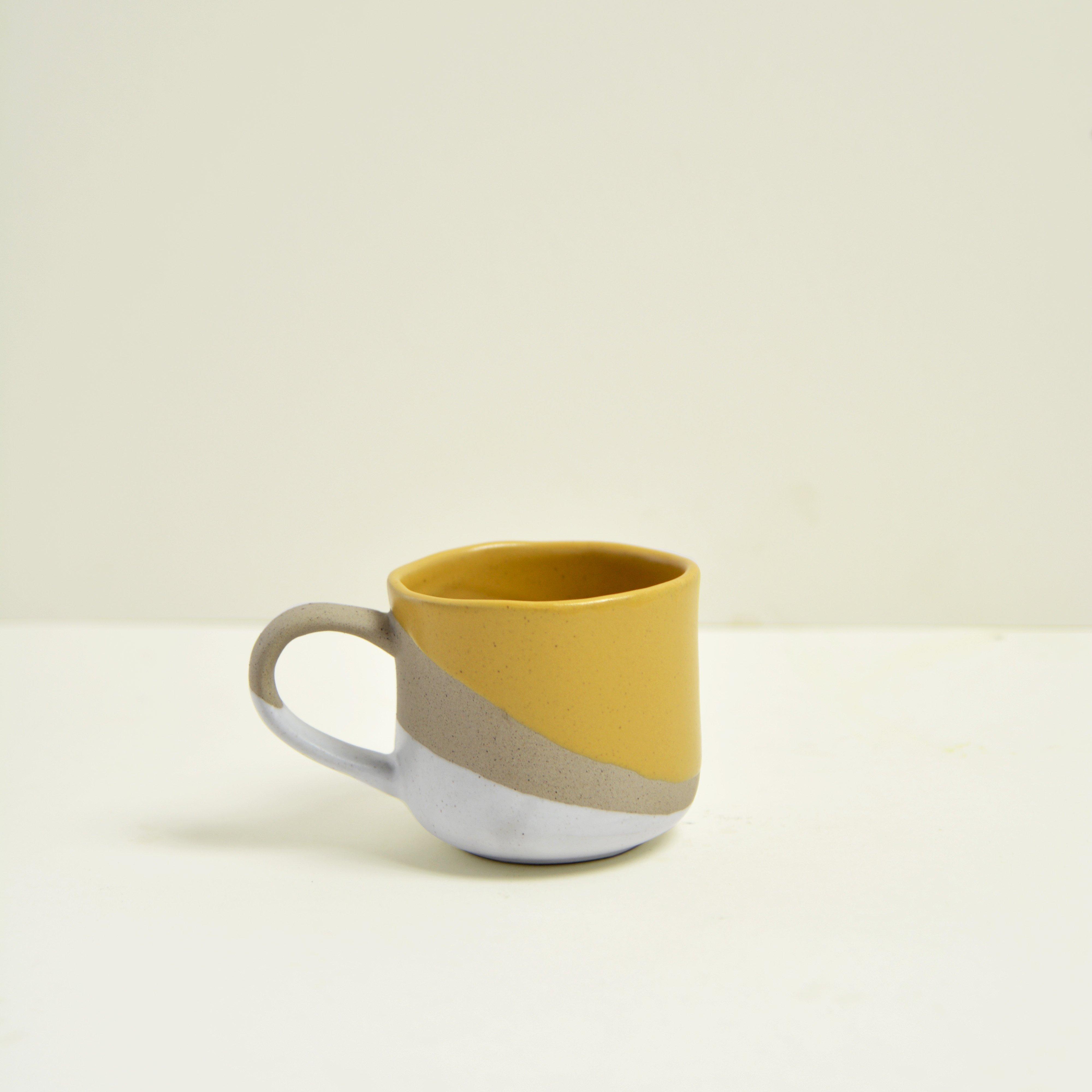 Tasse en céramique émaillée