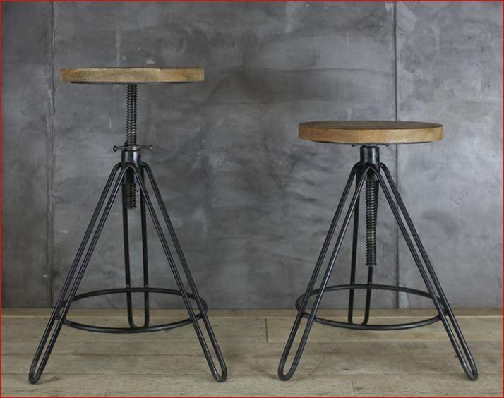 Tabouret ajustable (55-75cm) en métal et et bois de manguier Arvi * Nkuku