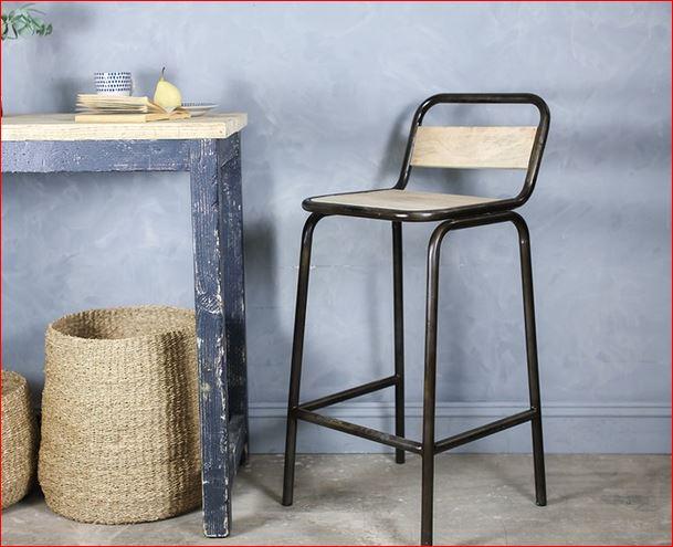 Chaise haute (76cm) en métal et bois de manguier Bakoa * Nkuku