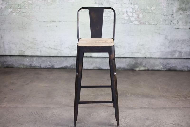 Chaise haute (76,50cm) en métal et bois de manguier Chari * Nkuku