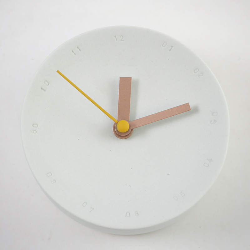 Horloge murale 10cm mint/jaune * Studio Harm en Elke
