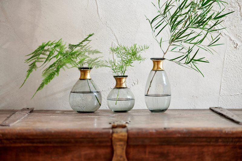Vase en verre bague laiton