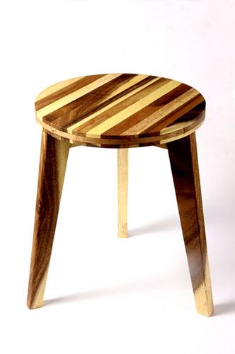 Petit tabouret en bois d'acacia * Kinta