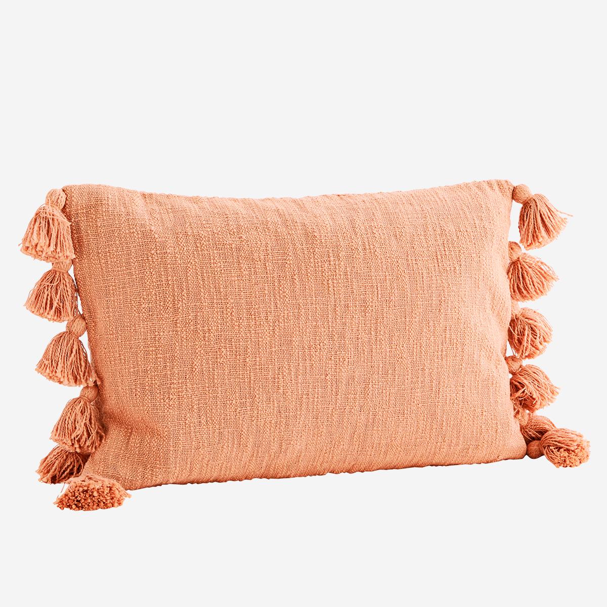 Housse de coussin en coton brut avec pompons 40x60cm orange pêche * Madam Stoltz