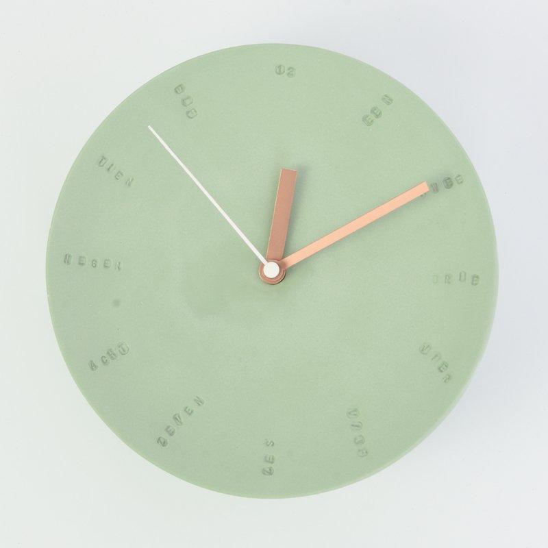 Horloge murale en porcelaine 17cm vert/cuivré * Studio Harm en Elke