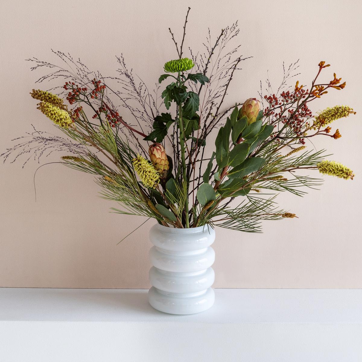 Vase en verre recyclé blanc opaque * Urban Nature Culture